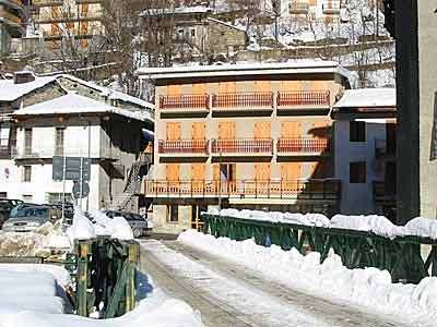 Winter in Crissolo, Albergo Club Alpino
